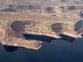 Glen Canyon National Recreation Area P1013170.jpg