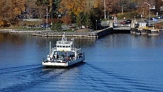 Adolphustown - Glenora Ferry arriving in Adolphustown