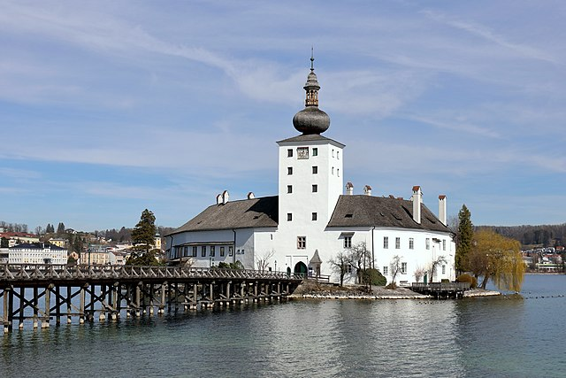 Gmunden Schloss Ort Or Schloss Orth In The Traunsee Lake In