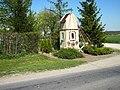 Goczałki, kapliczka przydrożna przy DW538 - panoramio.jpg