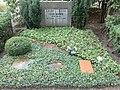 Gottfried Benn grave.jpg