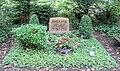 Grabstätte Potsdamer Chaussee 75 (Niko) Martin Held.jpg
