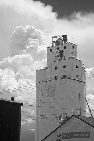 Okarche, Oklahoma - Grain elevator in Okarche, 2005