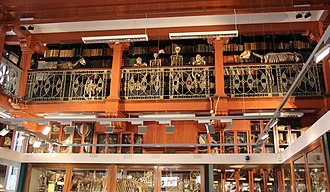 Grant Museum of Zoology and Comparative Anatomy - Image: Grant Museum of Zoology (20545658529)
