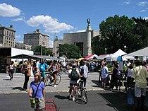Green-Market-Grand-Army-Plaza-Large.jpg