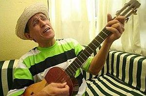 Gualberto Ibarreto-cantando.jpg