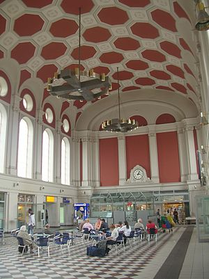 Hamm - Hamm railway station hall