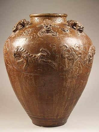 Barbara Harrisson - Heirloom jar (Martaban) from Borneo. This jar, a gift, Barbara Harrisson owned since 1960. Today it is part of the Princessehof collection.