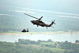 Helicópteros sobrevoam o rio Purus, em Paricatuba (AM), onde ocorreu a Operação Amazônia 2012 (8030633896)