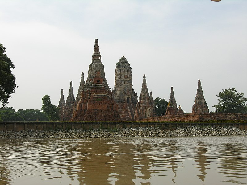 800px-historic_city_of_ayutthaya-111223