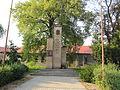 Hněvotín, pomník II. světová válka.jpg