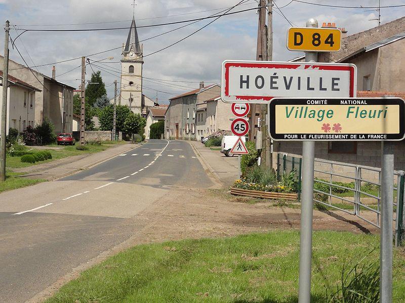 Hoéville (M-et-M) city limit sign (rue principale)