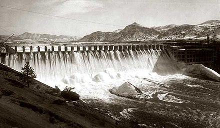 Holter Dam, a run-of-the-river structure on the upper Missouri, shortly after completion in 1918 HolterDam1918.jpg