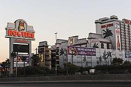 Hooters Casino (7823234654)