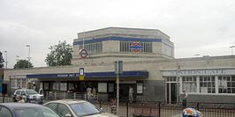 Hounslow West tube station 07 July 2006.jpg