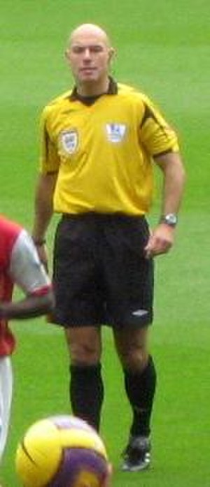 Howard Webb - Webb refereeing a match in 2007