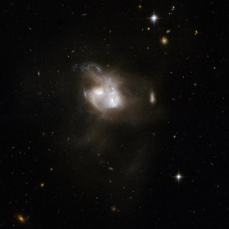 Hubble Interacting Galaxy NGC 5256 (2008-04-24).jpg
