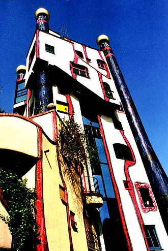 Friedensreich Hundertwasser - A typical Hundertwasser facade: the Hundertwasserhaus in Plochingen