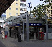 Indgang til metrostationen.