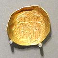 Hyperpere concavo di giovanni II comneno, 1118-43 ca., zecca di costantinopoli.JPG