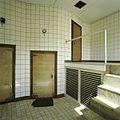 Interieur, overzicht met gesloten vriescarrousel - Vierakker - 20389452 - RCE.jpg