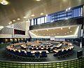 Interieur, overzicht van de raadzaal - 's-Hertogenbosch - 20413406 - RCE.jpg