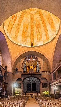 Interior of the Saint Stephen Cathedral in Cahors 05.jpg