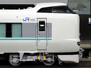 287 series - A side view of car KuMoHa 287-20 of six-car set HC605 in April 2012