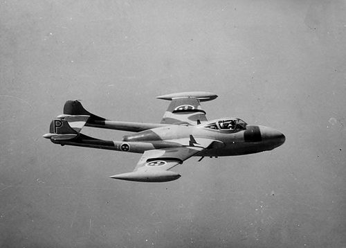 500px-J_33,_De_Havilland_DH_112_Venom_Mk