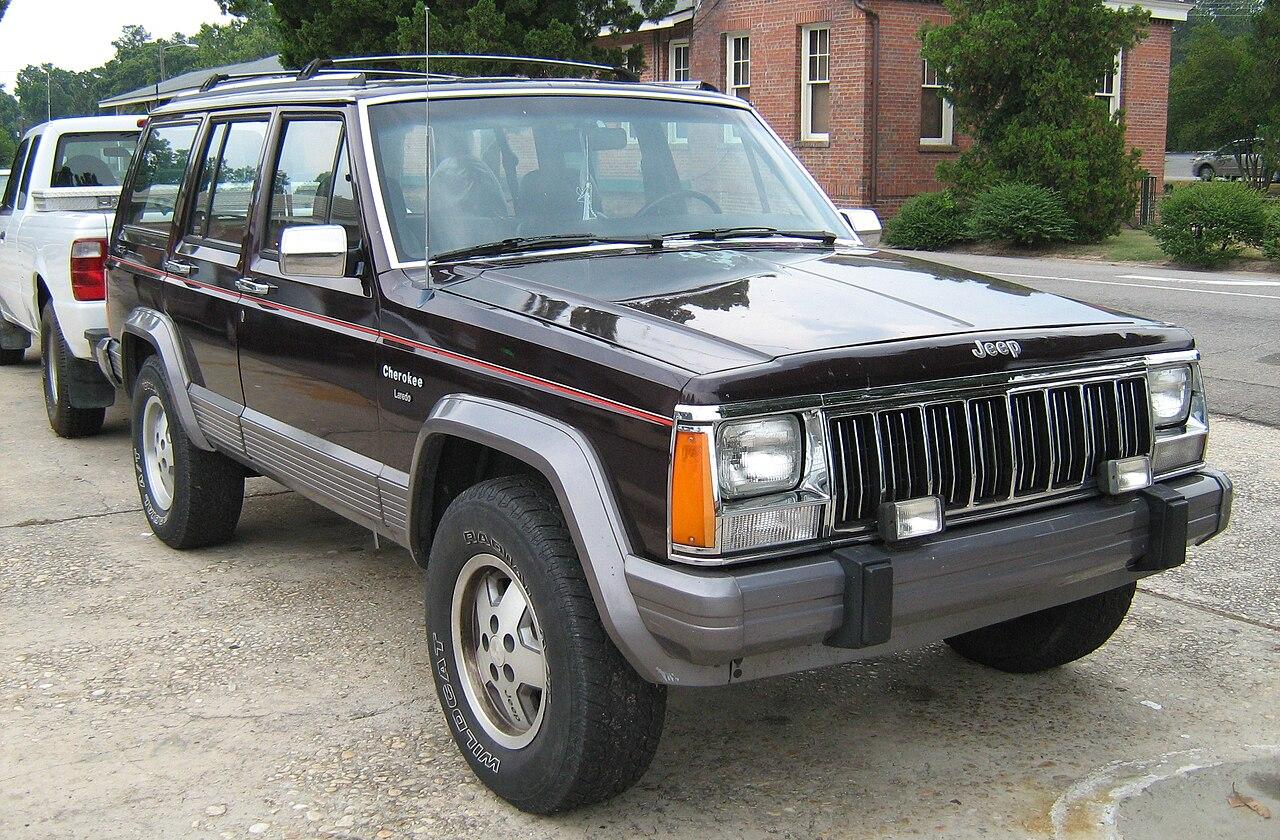 File jeep cherokee xj 4d laredo burgundy sop fr jpg