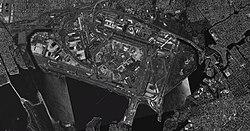 Satellitenbild des Flughafens