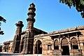 Jhulta minar Bibiji Mosque - Gomtipur, Ahmedabad.jpg