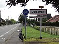 Jolivet (M-et-M) city limit sign.jpg