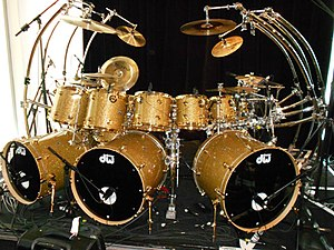 Jonathan Moffett - Jonathan Moffett's infamous gold drum kit