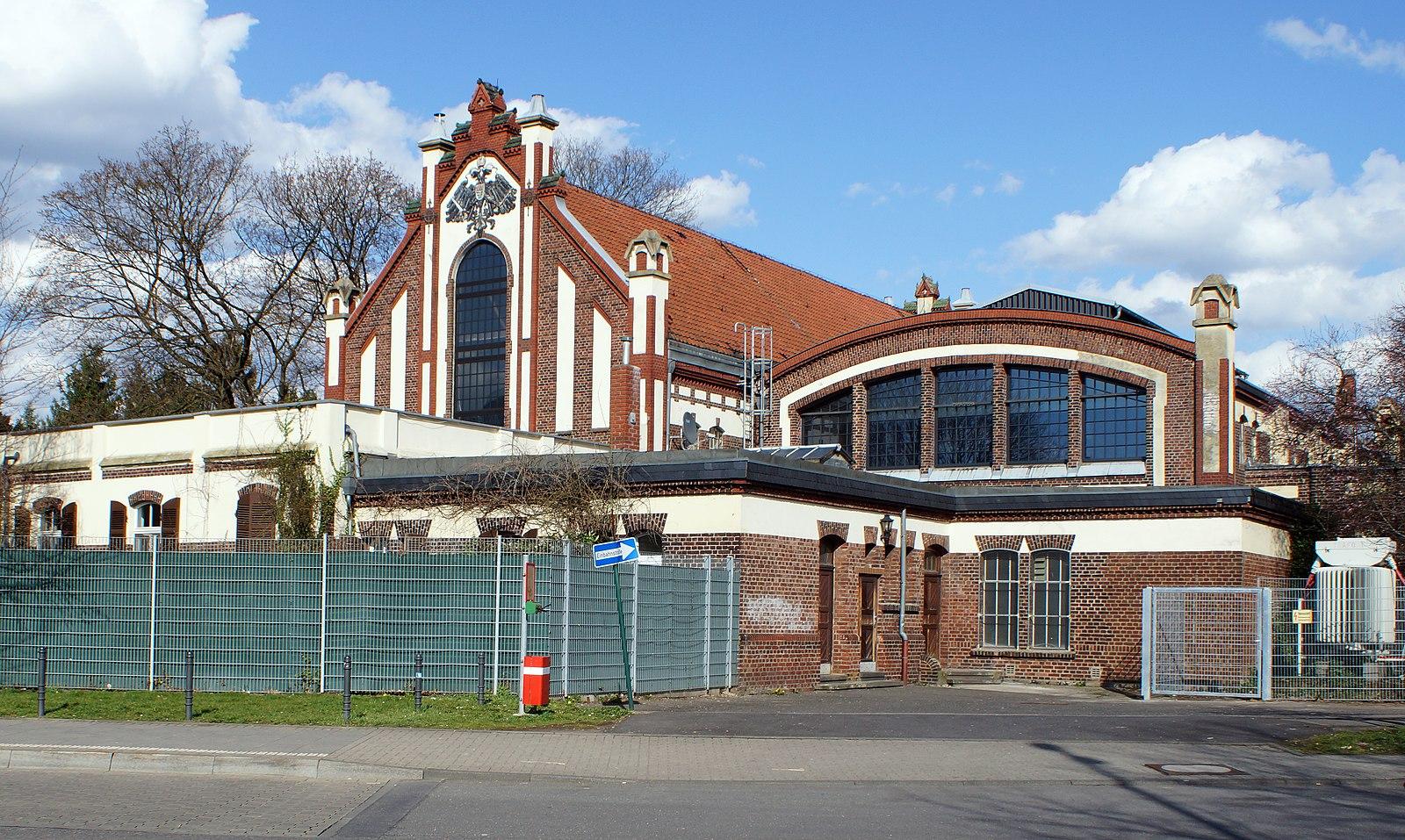 Datei:Köln-Ostheim, Umspannwerk 2013-04-13.JPG - Wikipedia