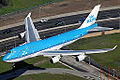 KLM Boeing 747-400 on approach to LAX.jpg