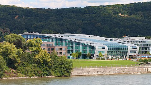 Kameha Bonn von der Südbrücke.jpg