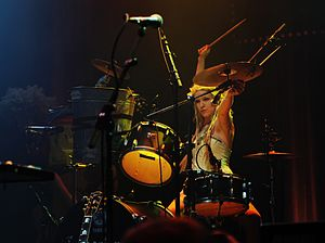 Katzenjammer (band) - Solveig Heilo at metropool Hengelo 2011