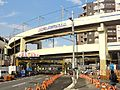 Keikyu-airport-line-Route 15-railroad crossing. 20121006.jpg