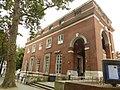 Kensington library (28886732266).jpg