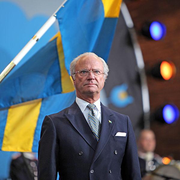 Datei:King Carl XVI Gustaf at National Day 2009.jpg