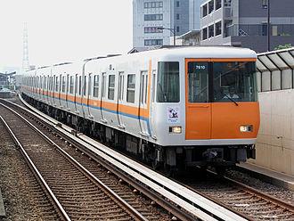 Chūō Line (Osaka) - Image: Kintetsu 7000Series 01