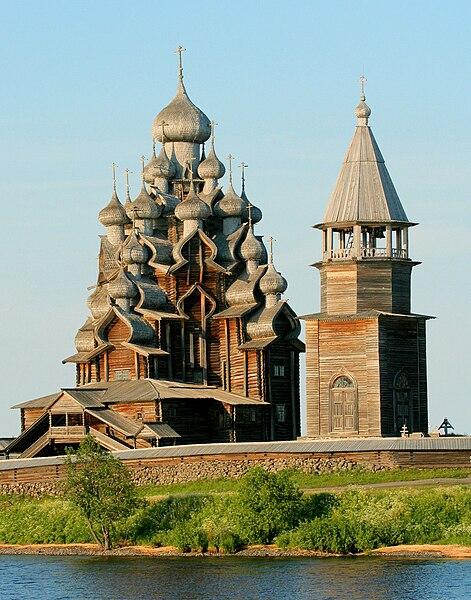 https://upload.wikimedia.org/wikipedia/commons/thumb/2/2e/Kizhi_church_1.jpg/471px-Kizhi_church_1.jpg