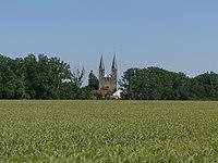 Klosterkirche Hillersleben Turme von Westen gesehen 2014-06.jpg