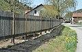 Kropfsdorf (Michelbach) - fence with daffodils.jpg
