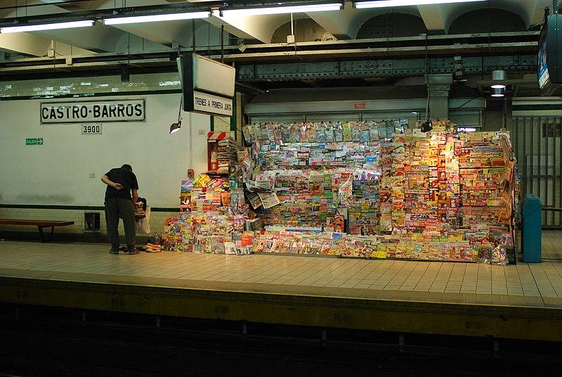 File:Línea A, kiosco de diarios en la estación Castro Barros (Buenos Aires, diciembre 2008).jpg