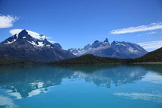 Lake Pehoé - Cuernos del Paine