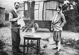 Dorothy Thompson - Sinclair Lewis and Dorothy Thompson during their honeymoon caravan trip in England, 1928
