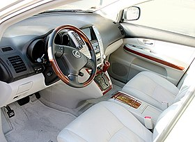 Lexus RX 350 interior forward.jpg
