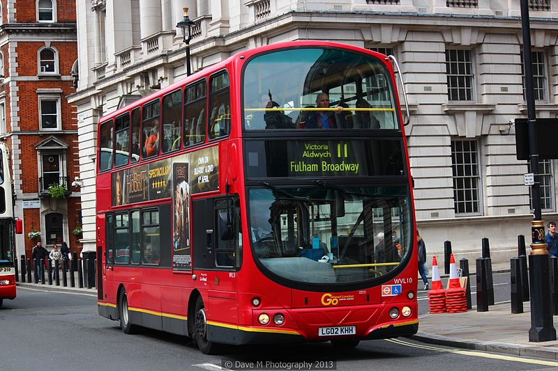 Tiedosto:London General bus WVL10 (LG02 KHH), 11 May 2013.jpg